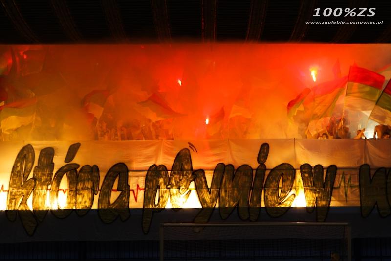 Fenomenul Ultras in alte sporturi - Pagina 4 9b8fcc0b7233f2d4af0875afd1260dd3_800_600_w__1